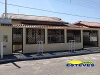 CASA A 150 METROS DA PRAIA, PRÓXIMO AO CENTRO 03 dormitórios...