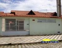 CASA TÉRREA A 700 METROS DA PRAIA.  03 dormitórios (01 suíte),...