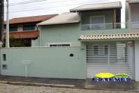 SOBRADO NOVO CENTRO A 150 METROS DA PRAIA. 04 dormitórios (03...