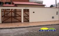 CASA NOVA A 550 METROS DA PRAIA.  03 dormitórios (suíte), sala...