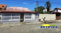 CASA TÉRREA, A 150 METROS DA PRAIA. 03 dormitórios (01 suíte)...