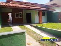 CASA TÉRREA, À 250 METROS DA PRAIA. 03 dormitórios (01 suíte),...