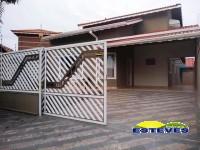 SOBRADO A 200M DA PRAIA, COM PISCINA.  04 dormitórios (02 suíte),...