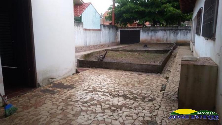 CASA TÉRREA EM 2 LOTES