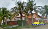 CASA TÉRREA A 200 METROS DA PRAIA. 03 dormitórios (01 suíte,...