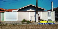 CASA TÉRREA A 150 METROS DA PRAIA. 03 dormitórios (01 suíte,...