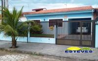 CASA TÉRREA A 500 M DA PRAIA.  02 dormitórios (01 suíte), sala,...